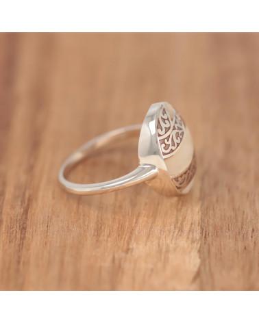 Natürlicher Weiss-Ring aus Perlmutt mit 925-000 RüschenSilber