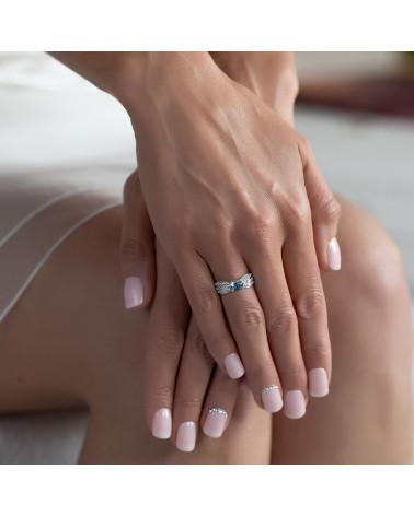 Anillo Esmeraldas y diamantes Plata de Ley 925 2.89grs